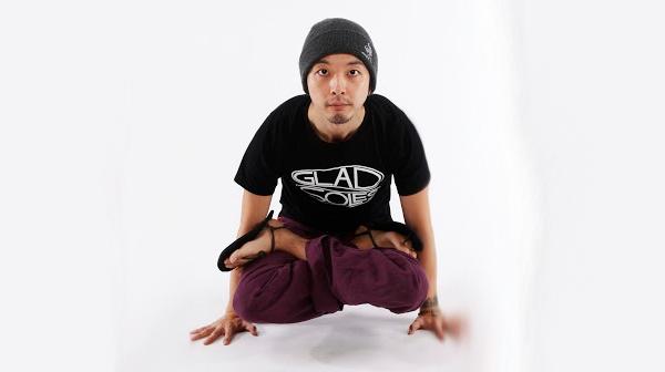 GladSoles-Yoga-Tshirt
